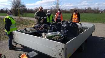 Ganze Anhänger voller Müll sammelten die Bürger bei der jüngsten Putzete im Umland von Kehl ein. Es ist deutlich mehr geworden.