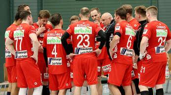 Auszeit TV Willstätt: Co-Trainer Fredy Beker (5. v. re.) gibt Anweisungen.