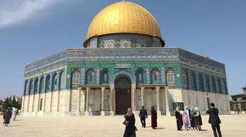 Die Al-Aksa-Moschee auf dem Tempelberg in Jerusalem (Israel) ist für Muslime ein Heiligtum. Der Tempelberg ist neben Mekka und Medina einer der drei wichtigsten Stätten in der Religion Islam.