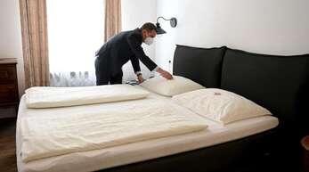 Die Hotellerie in Österreich musste lange wegen der Corona-Pandemie geschlossen bleiben - am 19. Mai darf sie wieder öffnen. Foto: Barbara Gindl/APA/dpa