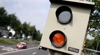 Ein stationärer Blitzer wurde in Mögglingen abgesägt. (Symbolbild)