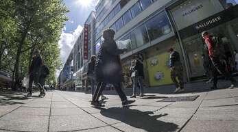 Auch die Händler an der Königstraße in Stuttgart leiden unter der Coronakrise. (Archivbild)