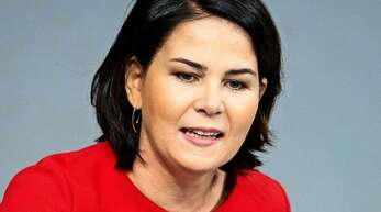 Annalena Baerbock (Grüne) glaubt, dass ein Tempolimit Deutschlands Autobahnen sicherer macht. (Archivbild)