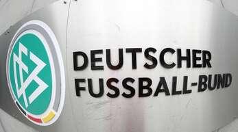 Das Bildmotiv täuscht – der DFB ist zurzeit in arger Schieflage.