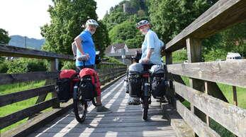 OT-Redakteurin Claudia Ramsteiner und ihr Mann Anton brechen zu ihrer großen Deutschland-Radtour auf