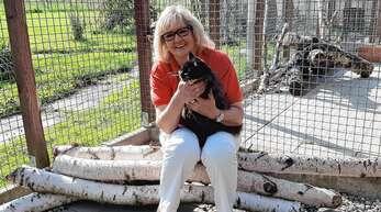 """Irene Papp lebt für """"ihre Tiere"""" und den Tierschutzverein. Ihr ist es ein Anliegen, ihre Stimme für wehrlose Tiere zu erheben – für diese setzt sie sich rund um die Uhr ein."""