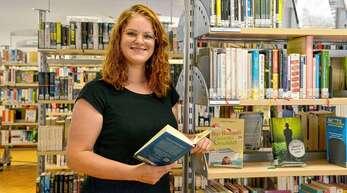 Die Rheinauer Stadtbibliothek – hier mit Leiterin Verena Kowarsch – ist wieder uneingeschränkt geöffnet.