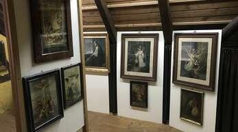 """Die neue Sonderausstellung """"Bild-Tafeln gab's in jedem Haus – populäre Gebrauchskunst von damals"""" ist im Steinacher Museum ab dem 27 Juni zu sehen."""