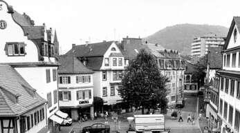 So sah der Lahrer Schlossplatz vor der Umgestaltung aus. Am 16. Juni 2001 wurde er eingeweiht.