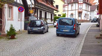 Das blaue Auto war in der Grabenstraße vorbildlich unterwegs, wie die meisten Autofahrer. Nur gut drei Prozent fahren schneller als Tempo 30, ergab eine Messung.