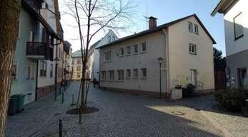 Präsent im Straßenraum: Das Haus Schlossergasse 6.