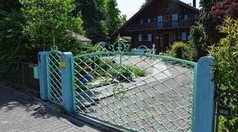 In der Schwarzwaldstraße 1a in Oberkirch sollten drei Mehrfamilienhäuser entstehen. Ein Jahr nach seiner Vorstellung ist das Projekt aber noch nicht vorangekommen.
