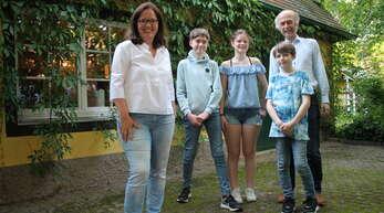 Familie: Simone Lenenbach (von links), Julius, Antonia, Markus und Felix.