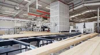 Holz ist der wichtigste Rohstoff beim Bau eines Weber-Haus. Die hohen Preise für den Baustoff sind für das Linxer Unternehmen eine Herausforderung.