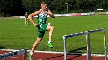 Matthias Laube nimmt die Hürden noch immer locker.