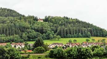 Auf der grünen Wiese oberhalb der Bebauung (Am Bühl) und unterhalb der Kreuzbergkapelle soll in Hausach das Baugebiet Kreuzberg II entstehen.