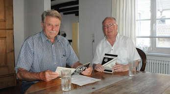 Karl Siefert (links) und Roland Huber erzählen, wie der Sportverein Zunsweier sein 100-jähriges Bestehen in diesem Jahr feiern will.