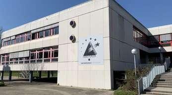 Das Hans-Furler-Gymnasium soll für über 20 Millionen Euro saniert werden.
