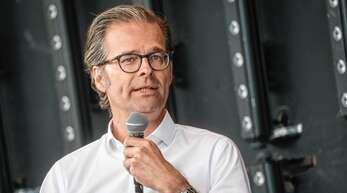 Arbeitet gerne im Hintergrund: KSC-Präsident Holger Siegmund-Schultze.