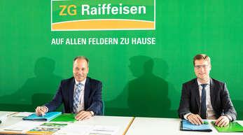 Ein Rekordergebnis des ZG Raiffeisen-Konzerns konnten die Vorstände Lukas Roßhart (links) und Holger Löbbert bei der Bilanzpressekonferenz der landwirtschaftlichen Unternehmensgruppe in Rastatt vorstellen.