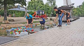 Wasserspiele, Outdoor-Kino, ein Ausflug nach Heidelberg und eine ganze Menge mehr an Unterhaltung wartet auf die Jugendlichen beim Sommer-Ferienprogramm der verschiedenen Anbietern.