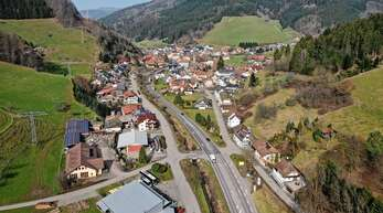 Thomas Keller und Michaela Paulat sprachen sich in der Gemeinderatssitzung am Mittwochabend dafür aus, in Mühlenbach ein neues Baugebiet zu schaffen. Den Leerstand von Wohnungen schätzt Klaus Armbruster auf fünf Prozent.