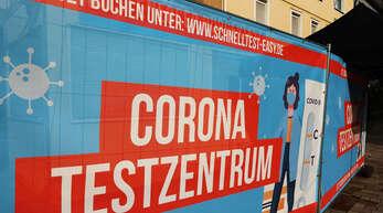 Aufgrund zurückgehender Inzidenzen sinkt auch die Nachfrage nach Corona-Schnelltests. Ab Juli müssen sich die Betreiber von Teststationen zudem vom Gesundheitsamt beauftragen lassen.