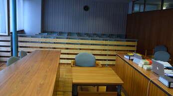 Der Angeklagte blieb dem Gerichtssaal im Offenburger Amtsgericht unentschuldigt fern.