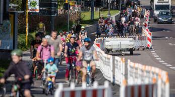 """Pop-up-Radweg in Stuttgart: Die Grünen-Fraktion wünscht sich im Masterplan Verkehr den Mut, """"auch experimentelle Lösungen zur Rettung des Klimas auszutesten""""."""