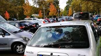 Wie kann es auf dem Parkplatz des Schulgeländes Nordwest sicherer werden? Darüber machen sich mehrere Institutionen Gedanken.