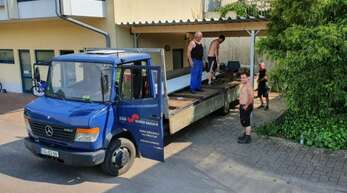 Einige Mitglieder des SV Hausach bauten einen neuen Carport.