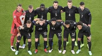 Die deutsche Nationalmannschaft vor dem Spiel gegen Ungarn.
