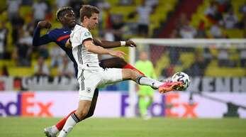 Thomas Müller (vorne) will auch gegen England eine gute Figur abgeben.