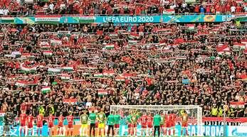 Volles Stadion in Budapest: Ungarn gibt sich in Sachen Corona locker.