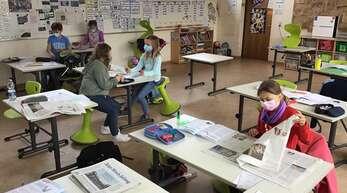 """Die Klasse 3b aus Oberachern hatte während des Projekts """"Meine Reise durch die Zeitung"""" viel Spaß. Die Schüler haben etliches gelernt. An die Zeitungsschnake der Mittelbadischen Presse haben sie jede Menge Fragen geschickt, die Robby natürlich gerne beantwortet."""