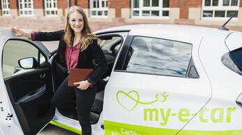 """Über die Tochtergesellschaft my-e-car bietet die Stadtmobil Südbaden flächendeckend E-Fahrzeuge an. Da sie zu 100 Prozent mit regenerativ gewonnenem Strom betrieben werden, ist das Konzept mit dem """"Blauen Engel"""" ausgezeichnet worden."""