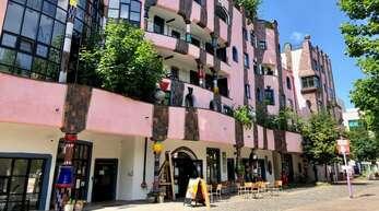 """Das Hundertwasserhaus """"Die grüne Zitadelle"""" ist das wohl meist fotografierte Gebäude in Magdeburg."""