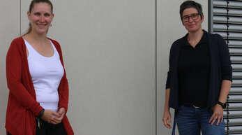 """Rahel Hamerschmidt (links) und Jutta Kempf haben sich als Trainerinnen für das Präventionsprogramm """"Protect"""" zertifizieren lassen. Sie helfen Schülerinnen und Schülern der siebten Klasse dabei die richtige Balance zwischen virtueller und realer Welt zu finden. Erstmals fand das Programm an der Realschule Oberkirch in der Ortenau statt."""