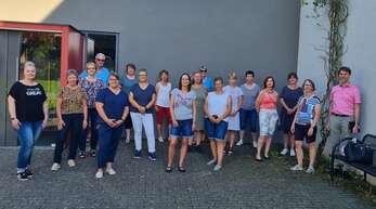 Die Helferinnen und Helfer des Schutterwälder Schnelltestzentrums haben bisher über 6200 Tests durchgeführt. Bürgermeister Holschuh (rechts) war voll des Lobes über die geleistete, ehrenamtliche Arbeit für dieBürger.