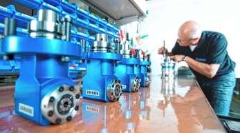 Die Produktionsplanung von Benz läuft mit einer neuen Softwarelösung effizienter - für das Land Grund, das Unternehmen als Leuchtturm für Industrie 4.0 auszuzeichnen.