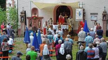 Zahllose Gläubige und Pilger hatten sich am Sonntag auf St. Jakob versammelt, um im Heiligen Jahr das Jakobusfest zu begehen.