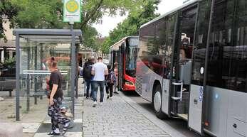 Barrierefrei sollen die Bushaltestellen in Renchen – wie hier am Rathaus – werden.