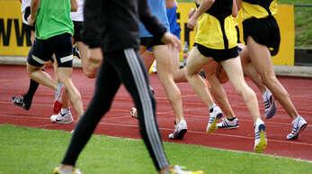 Die Nachwuchs-Leichtathleten messen sich am Wochenende in Rostock.