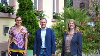 Umstrukturierungen bei der Gemeindeverwaltung Lauf (von links): Petra Sättele (Bürgerbeteiligung), Oliver Rastetter und Annika Friedmann (Neue Fachbereichsleiterin).