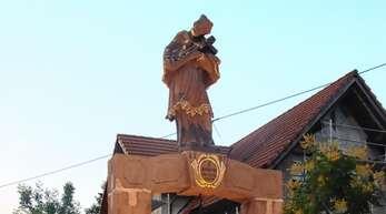 Der Ortenberger Nepomuk-Brunnen wurde in einer kleinen Feierstunde eingeweiht.