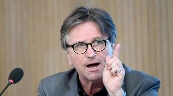 Landessozialminister Manfred Lucha (Grüne) befürwortet das Impfen von Kindern ab zwölf Jahren