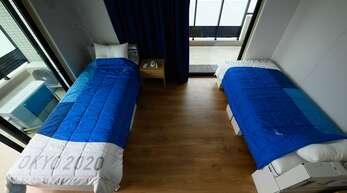 Die nachhaltigen Papp-Betten im Olympischen Dorf haben die ersten Belastungsproben bestanden (Archivbild).