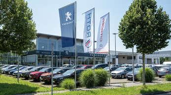 Bester Service an drei Standorten: In Offenburg, Oppenau und Achern, kümmern sich die Teams des Autohauses Roth um die Fahrzeuge der Kunden.