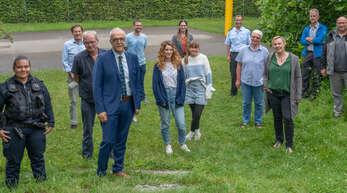 Bekamen Informationen über die Arbeit in den Schulklassen: die Mitglieder der Kommunalen Kriminalprävention mit OB Toni Vetrano (Vierter von links).