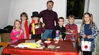 Wolfgang Merkel zaubert auch in diesem Jahr mit den Appenweierer Ferienkindern.